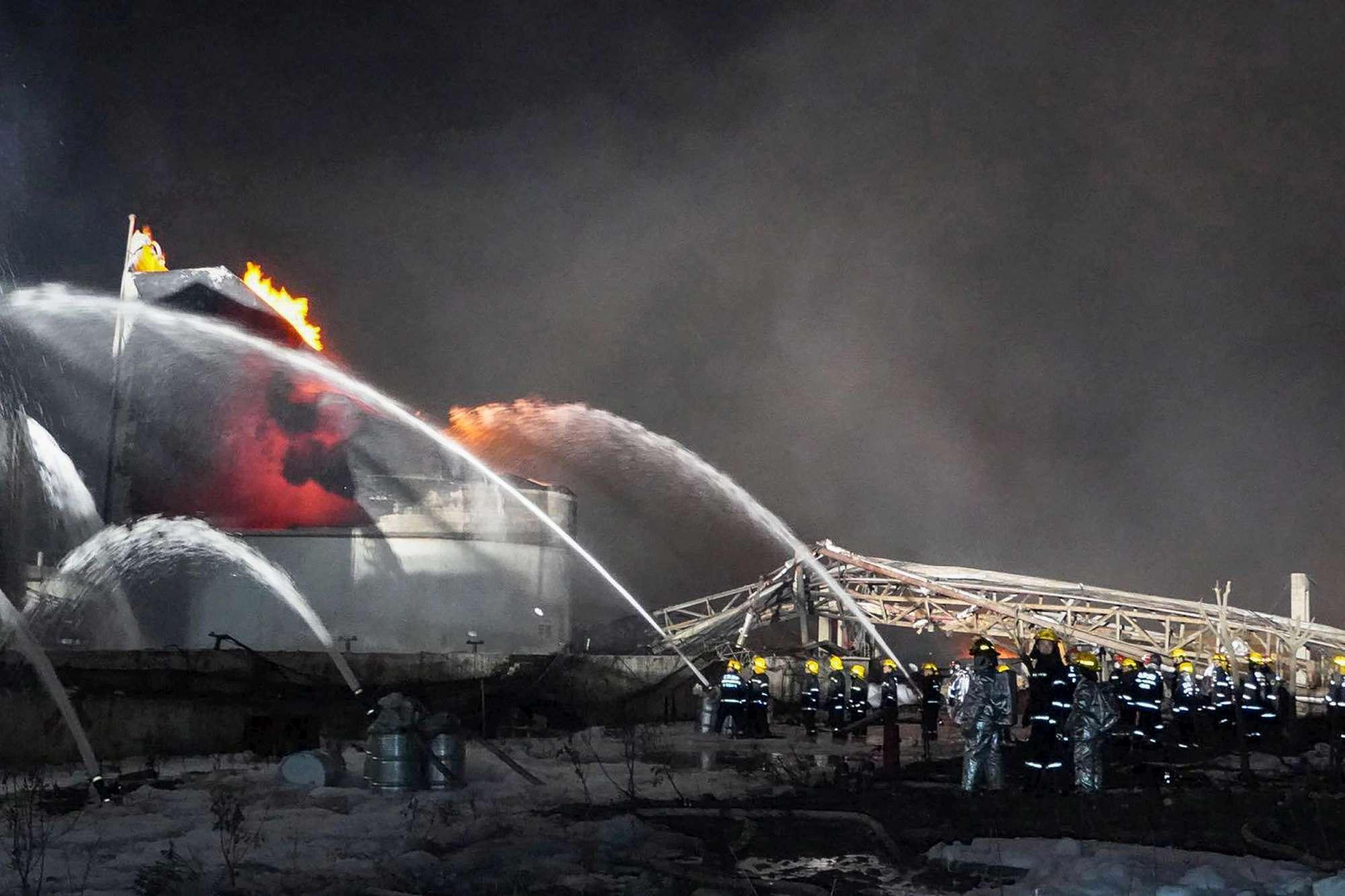 Cina, esplosione in un impianto chimico: decine di morti