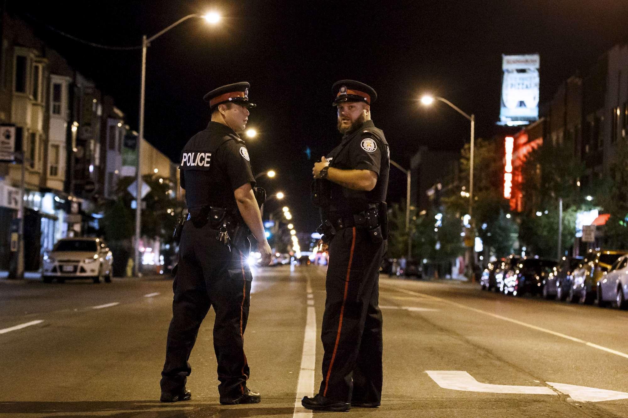 Canada, spari in strada a Toronto: due morti e 14 feriti