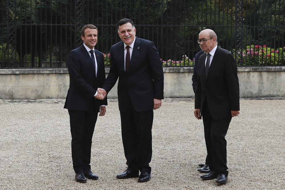 A Parigi storico accordo tra i libici Sarraj-Haftar