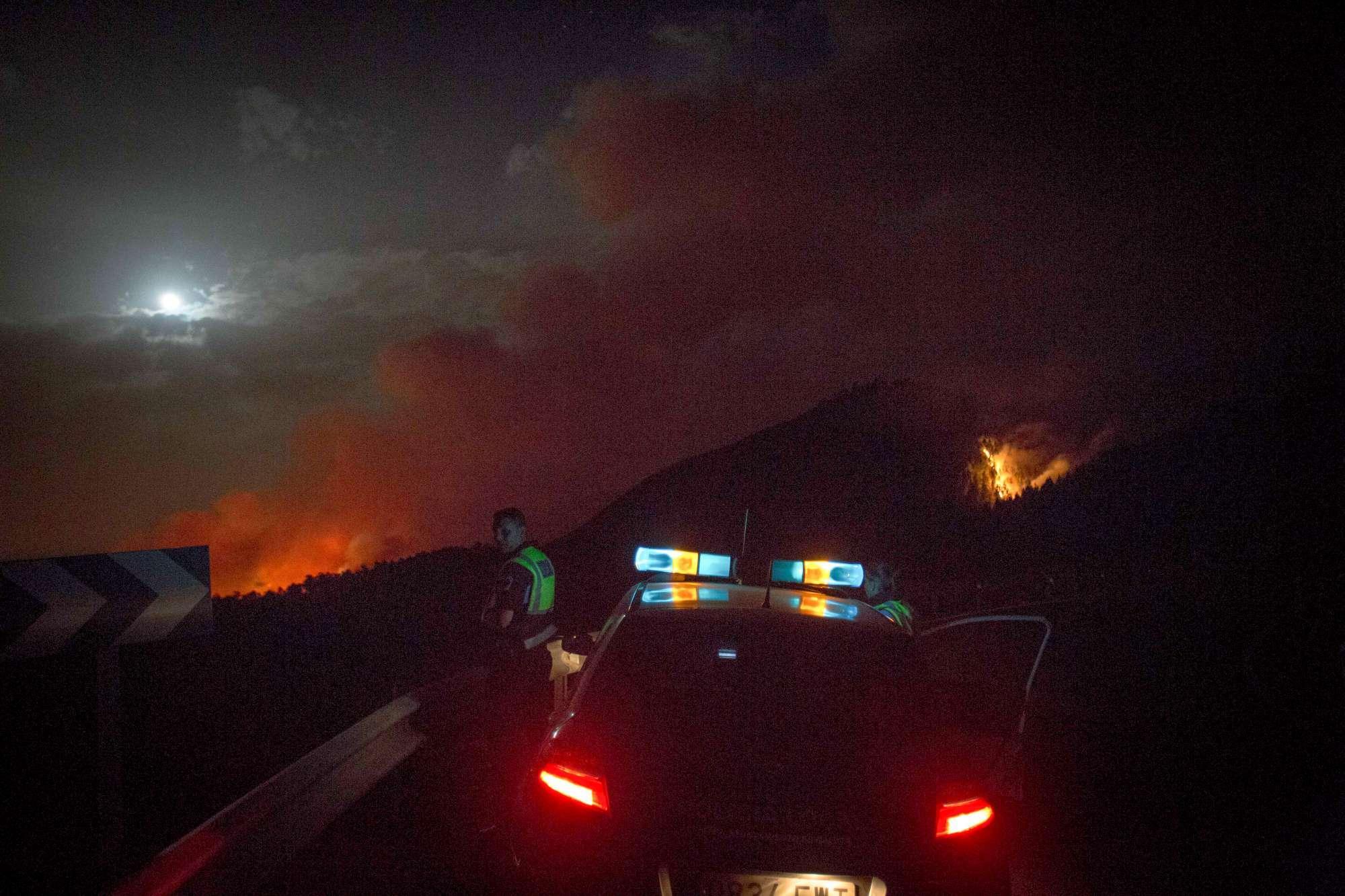 Spagna: evacuate 4mila persone causa incendio. I dettagli sull'estensione del rogo