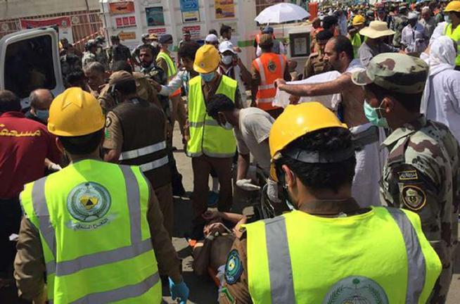 Strage di pellegrini a La Mecca: 717 persone muoiono soffocate nella ressa