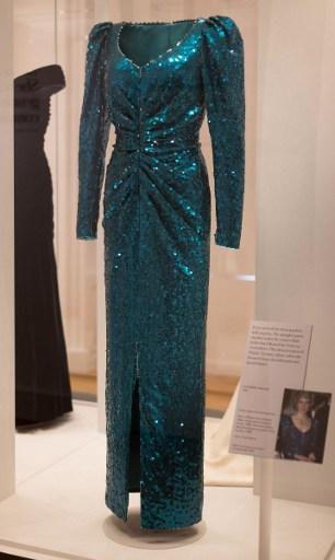 Gli abiti di Lady Diana a Kensington Palace 992678021a9