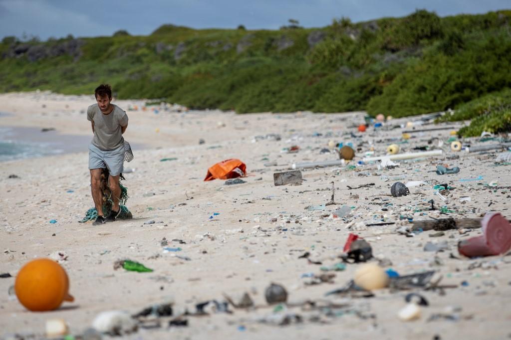 L isola di Henderson, patrimonio Unesco dal 1988, ora è sommersa da plastica e rifiuti