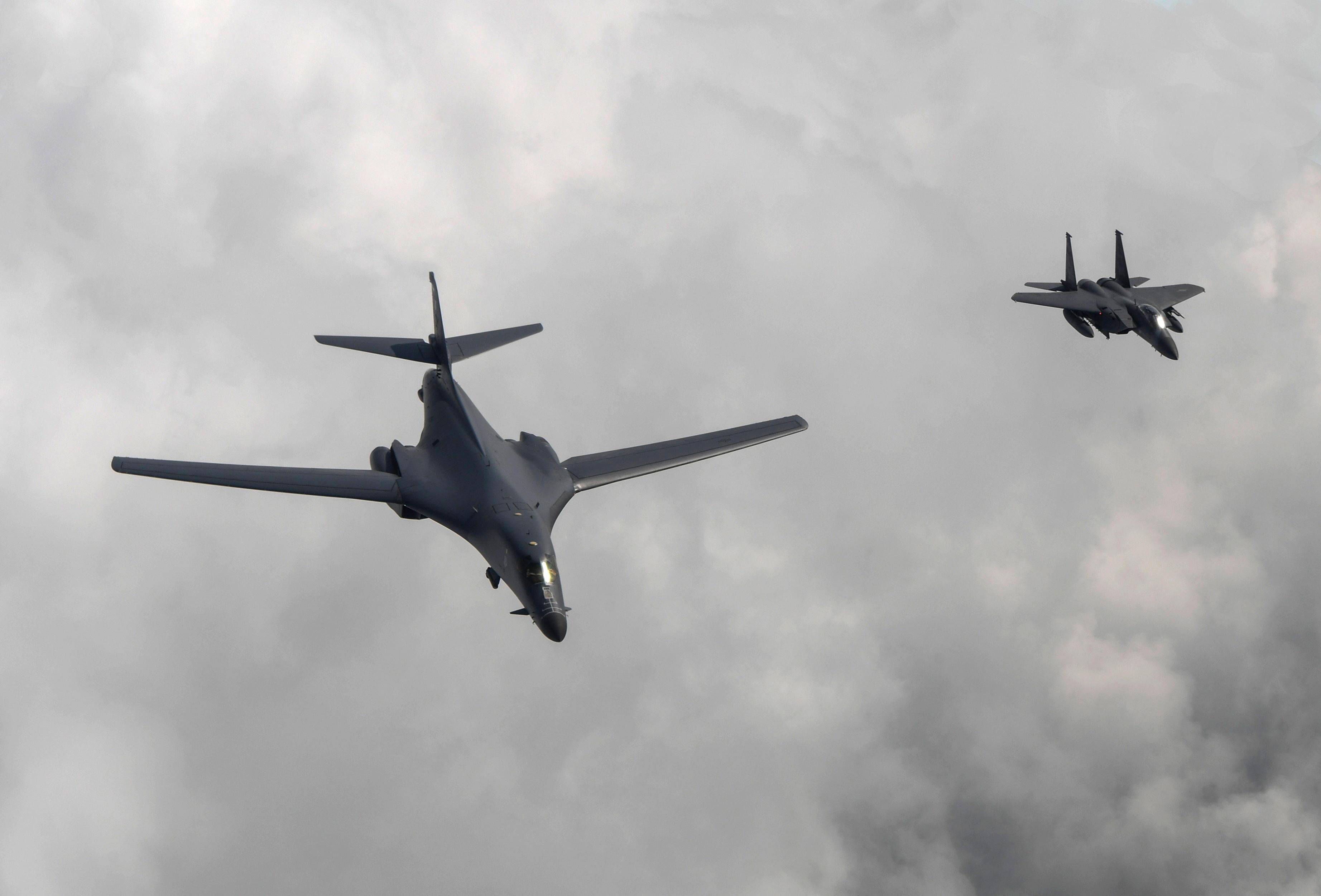 Corea del Nord, alta tensione: bombardieri Usa sulla penisola