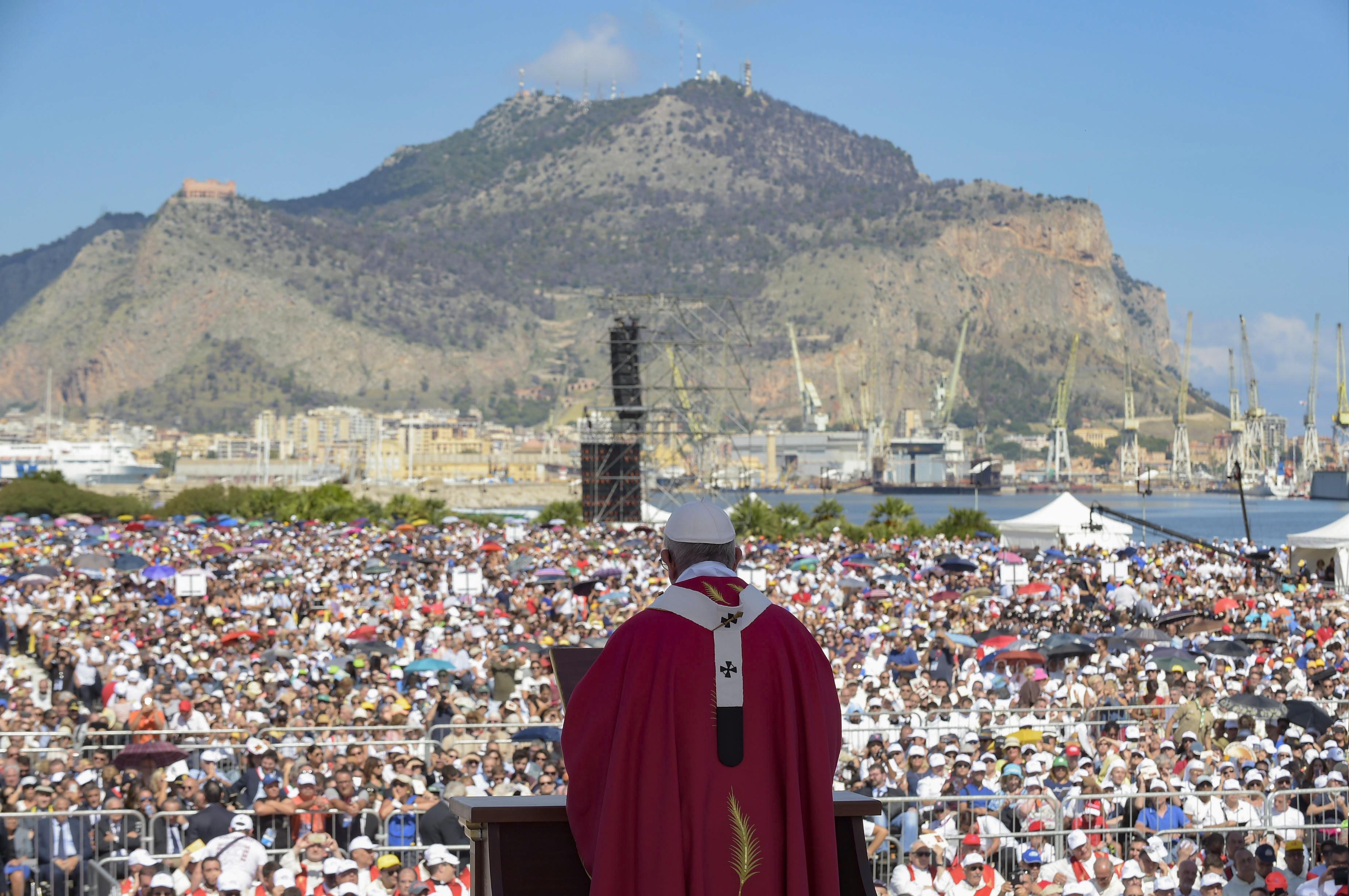 Papa Francesco in Sicilia nel ricordo di don Pino Puglisi