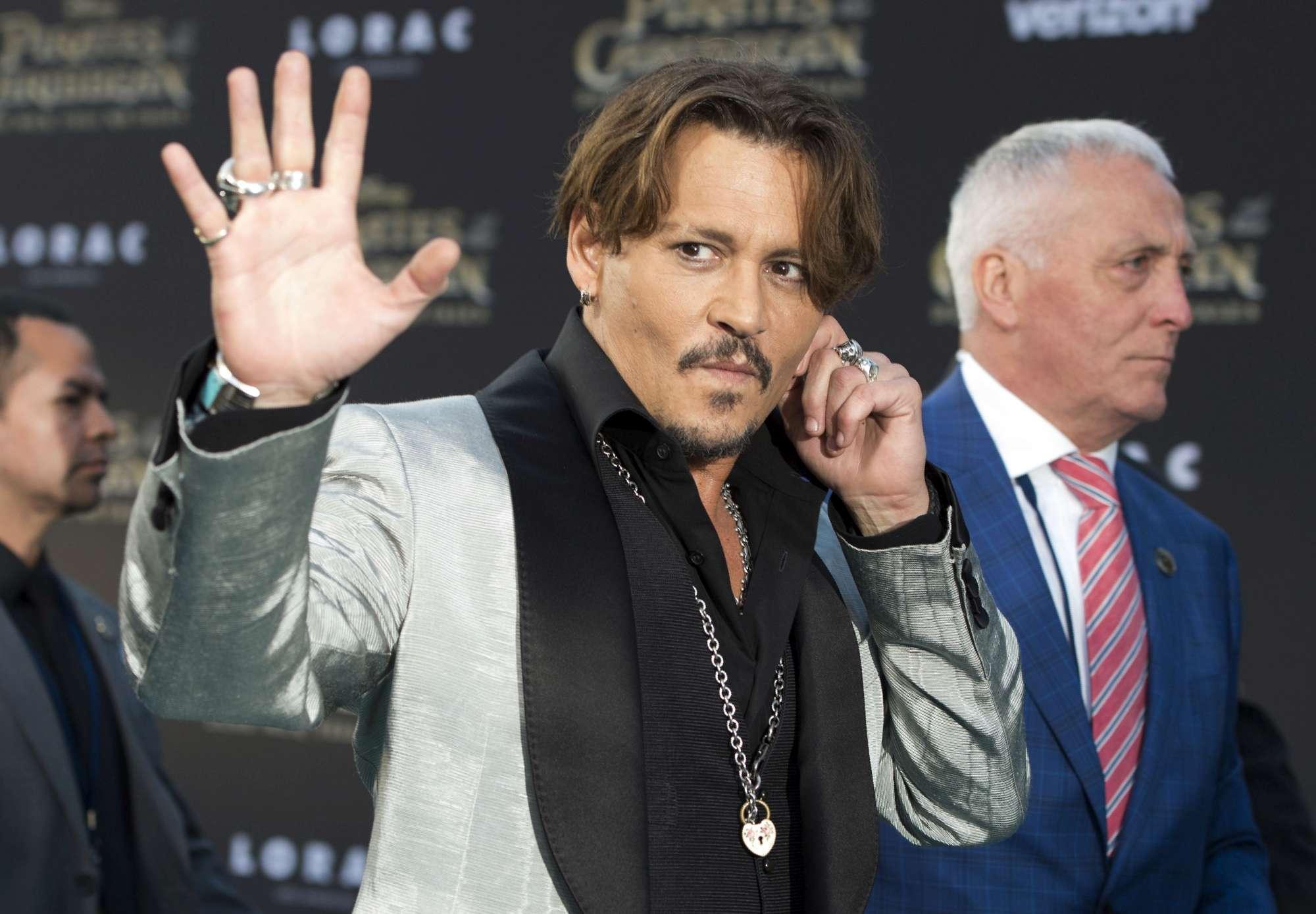 Johnny Depp,  Pirata  cassato
