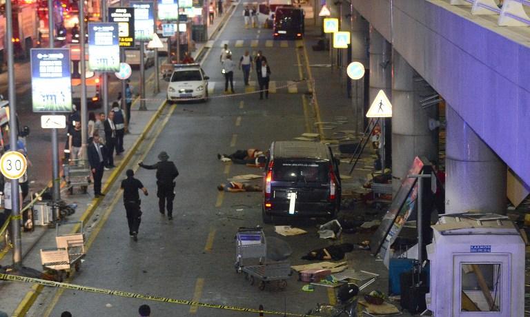 Istanbul, attacco kamikaze all aeroporto: morti e feriti all aeroporto