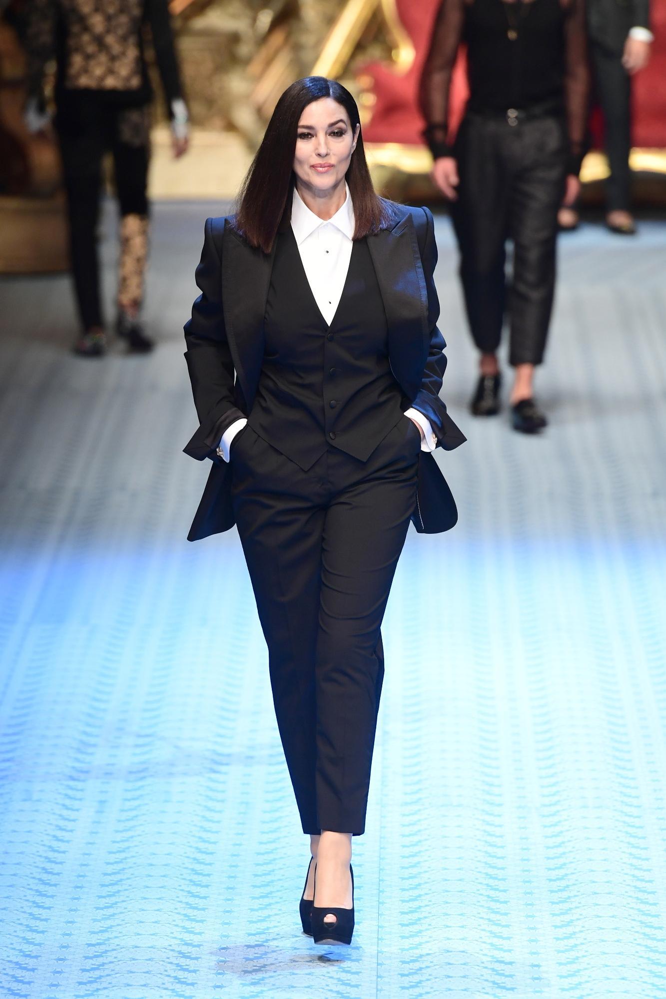 Monica Bellucci torna in passerella per Dolce e Gabbana