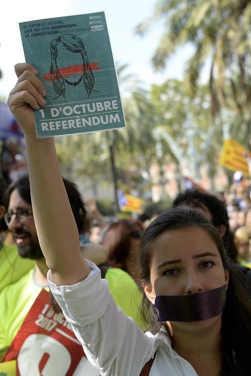 Barcellona, nuova manifestazione davanti all Alta Corte