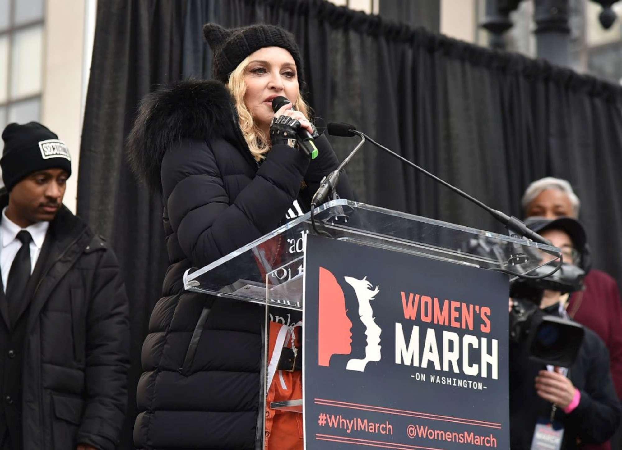 Star in marcia contro Donald Trump