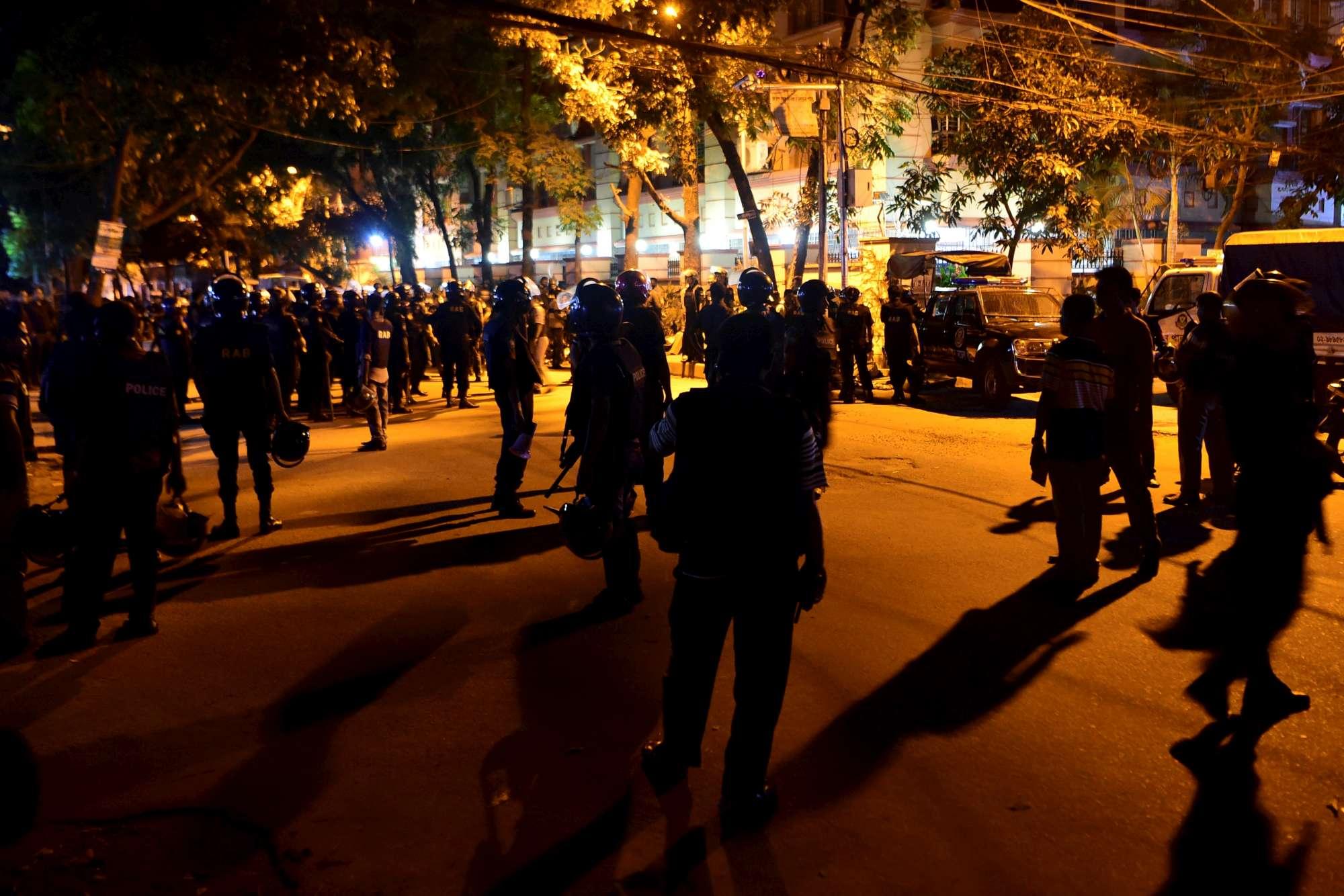 Attacco dell'Isis a Dacca: strage al ristorante degli italiani
