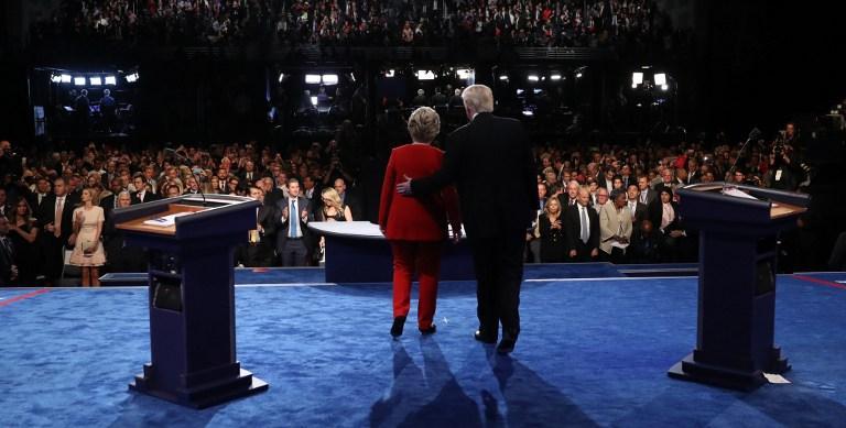 Usa 2016, il confronto tv a colpi di stile: Hillary e Trump si  scambiano  i colori