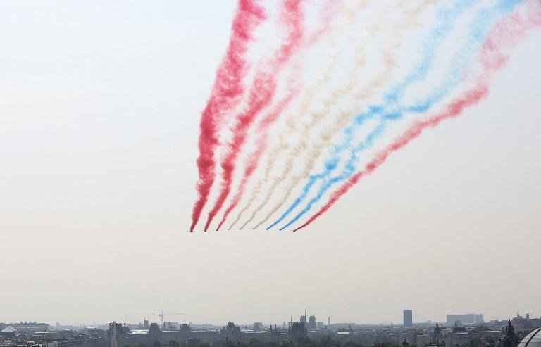 Francia: durante la parata del 14 luglio, tricolore invertito