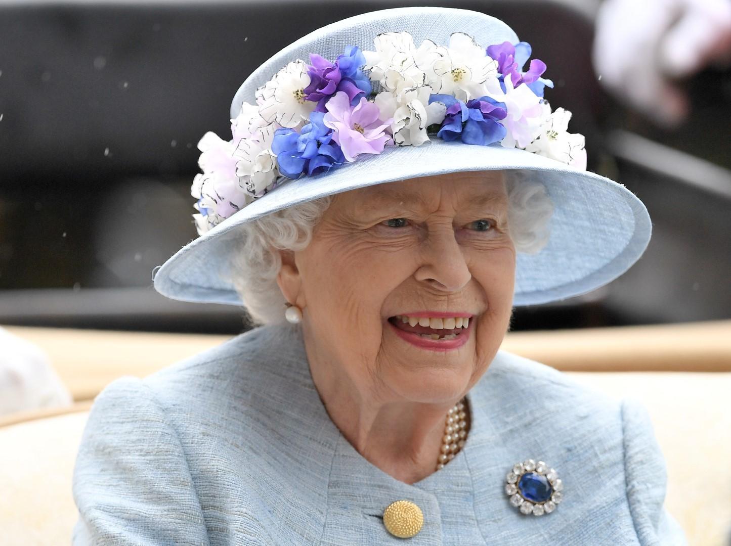 Uno stile inconfondibile: perché la regina Elisabetta piace tanto