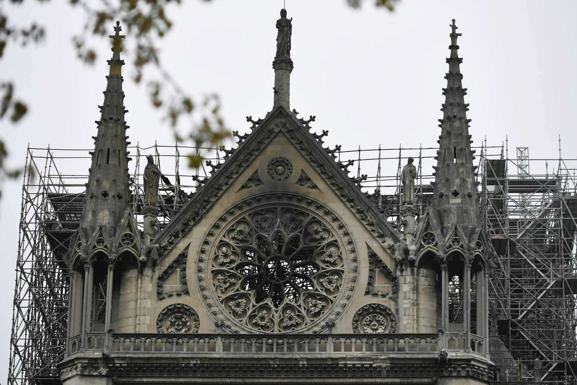 Parigi, Notre-Dame il giorno dopo il rogo