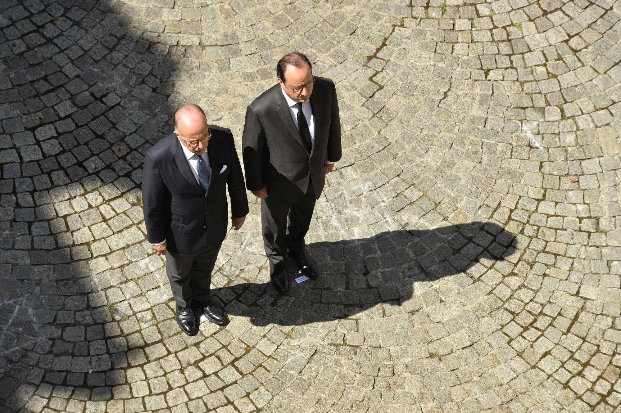 Il minuto di silenzio a Parigi per le vittime di Nizza