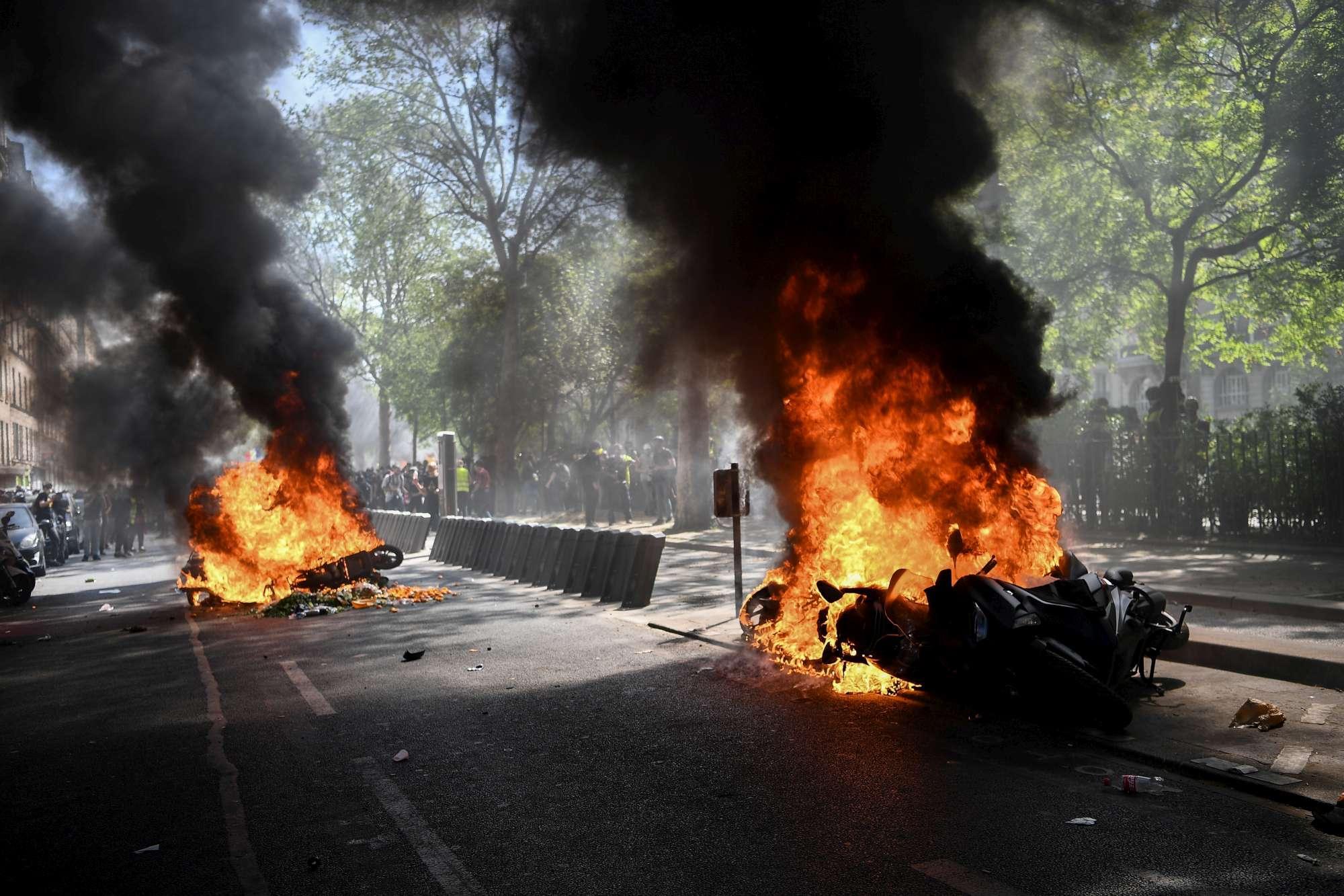 Francia, scontri durante il 23esimo sabato di protesta dei gilet gialli