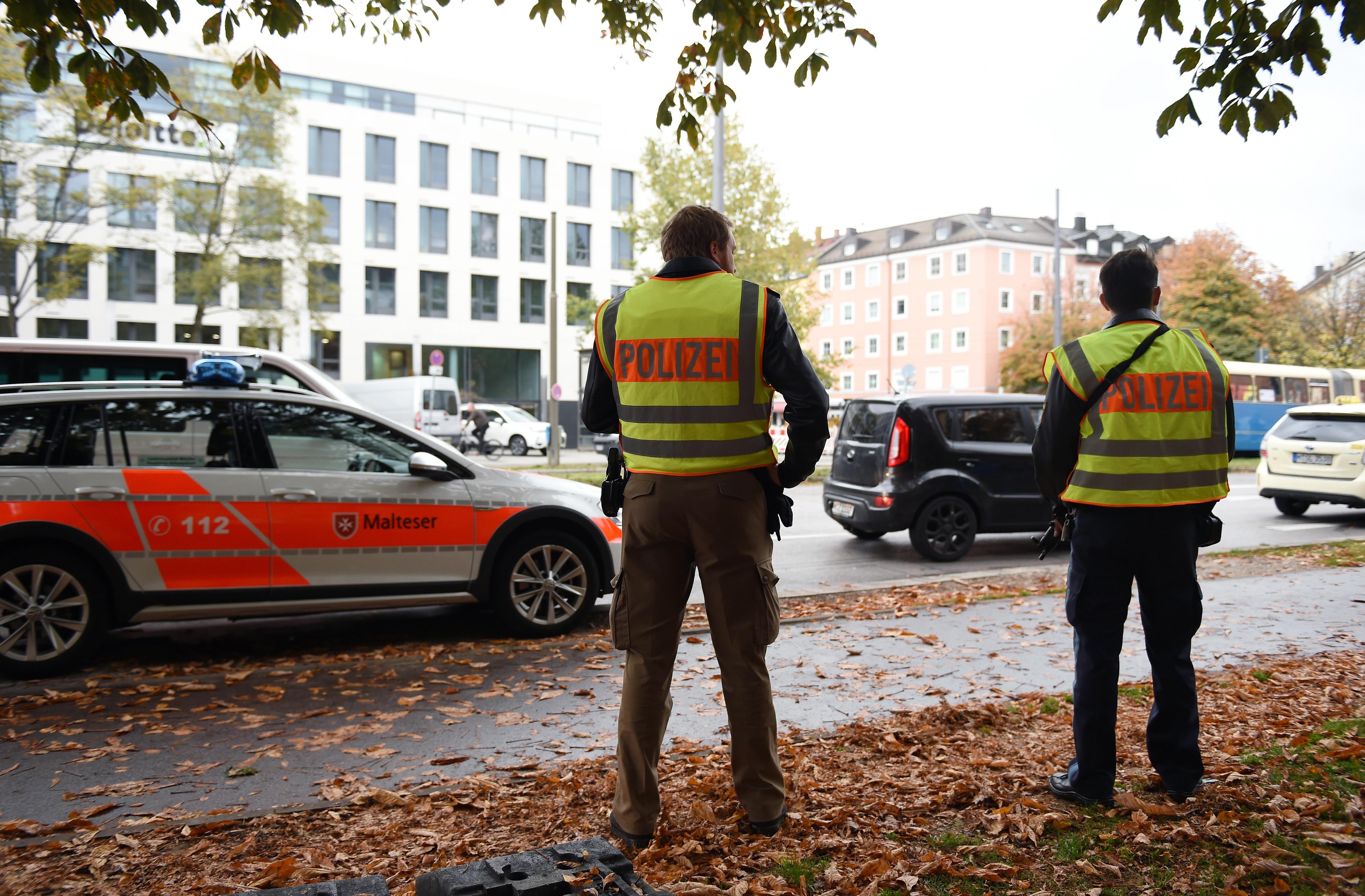 Germania, accoltella passanti a Monaco: ci sono feriti, fermato un sospetto