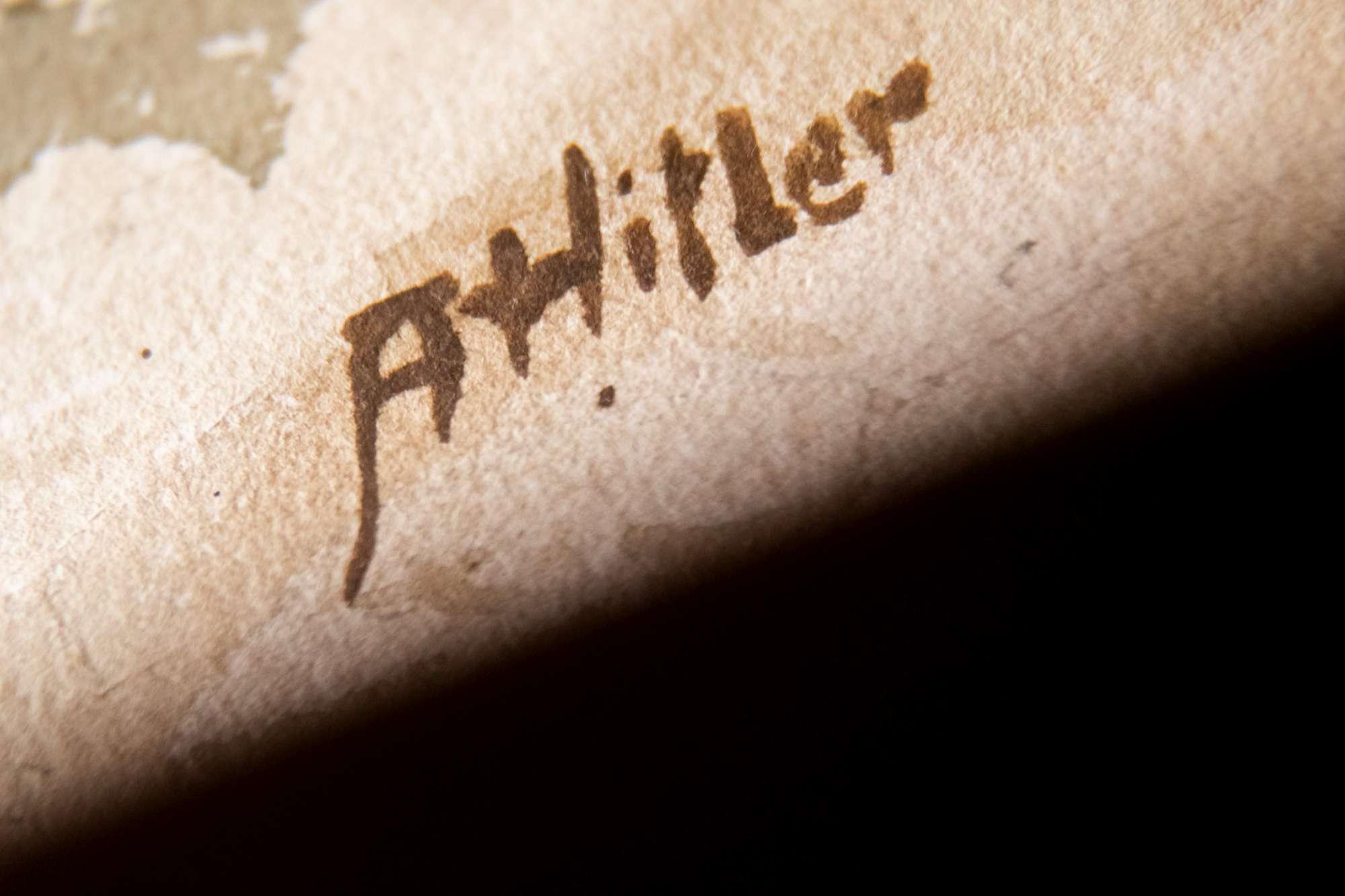 Germania: all asta cinque dipinti attribuiti a Hitler (e nessuno li ha comprati)