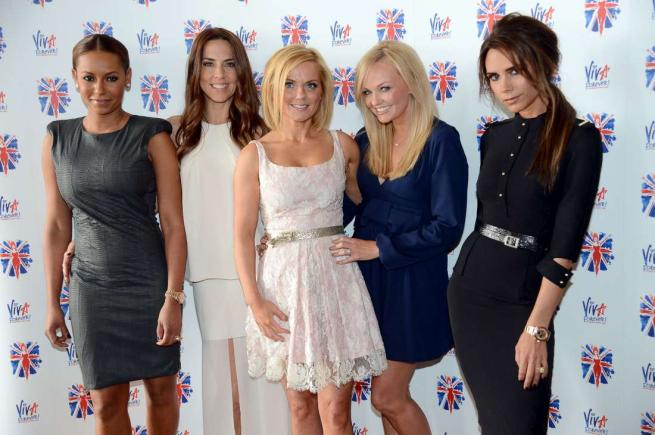 Spice Girls, un tour mondiale per i 20 anni di carriera. Ma Victoria Beckham dice