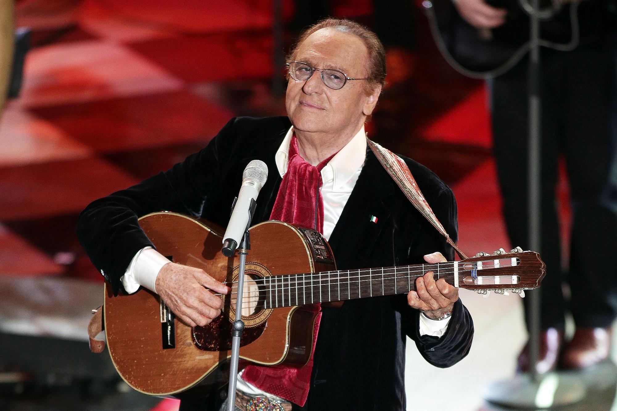 Renzo Arbore, 80 anni di genio tra tv, radio e amore per il jazz