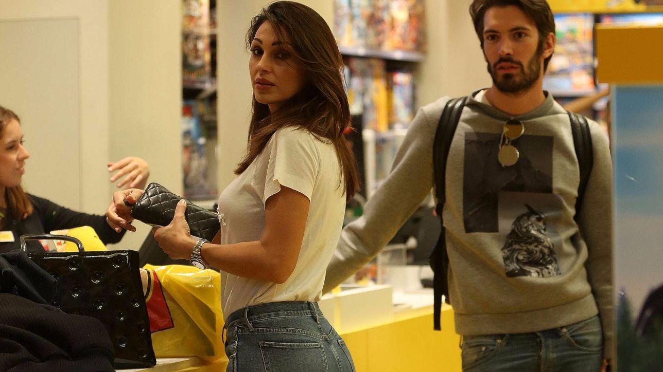 Per Anna Tatangelo shopping milanese con Giovanni Caccamo