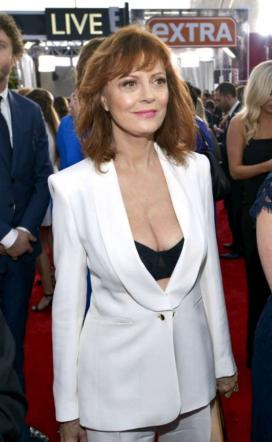 Susan Sarandon, décolleté sexy ai Sag Awards