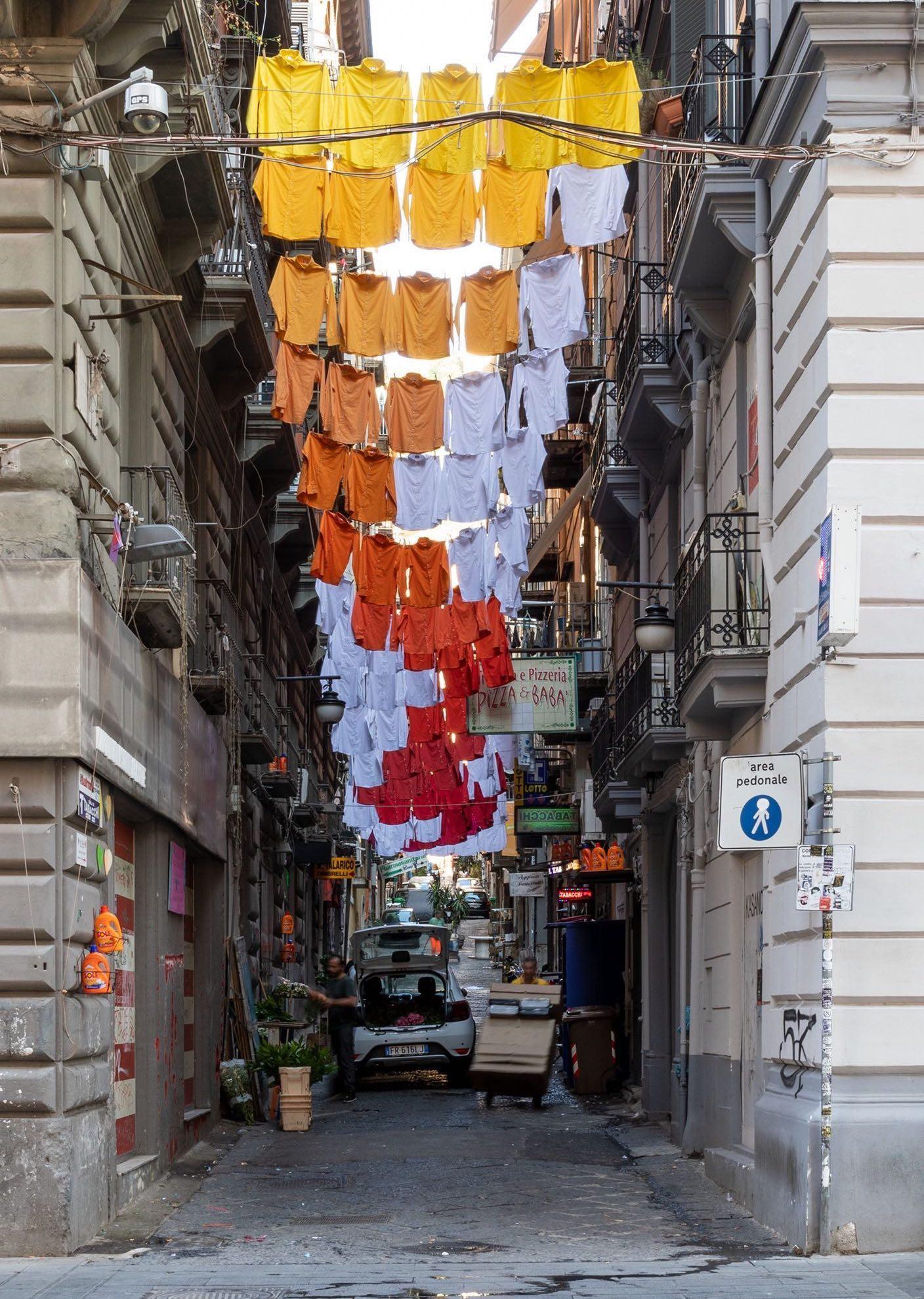Cromie, i colori del Sole: l installazione a Napoli di Salvatore Iodice