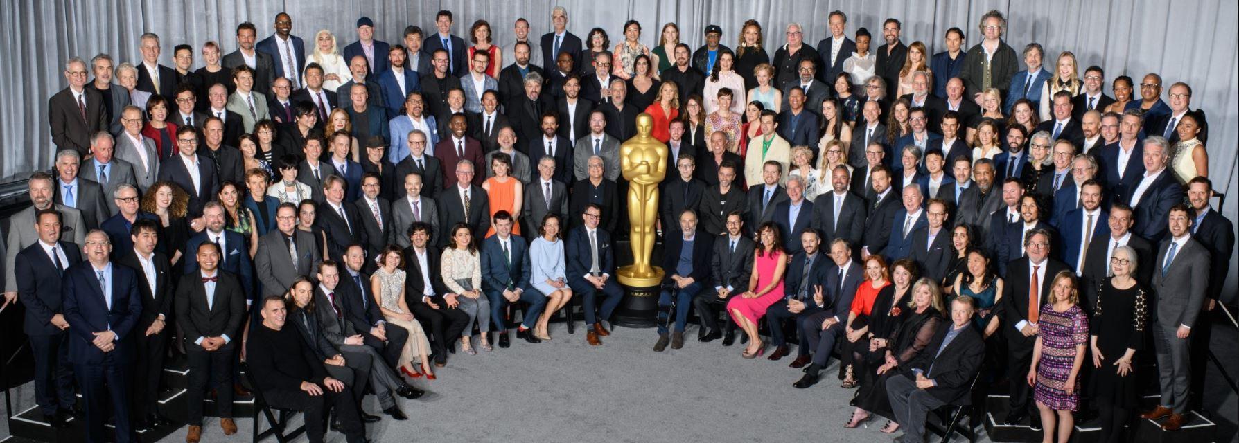 Oscar, il pranzo di gala dei nominati: foto di gruppo con record di donne
