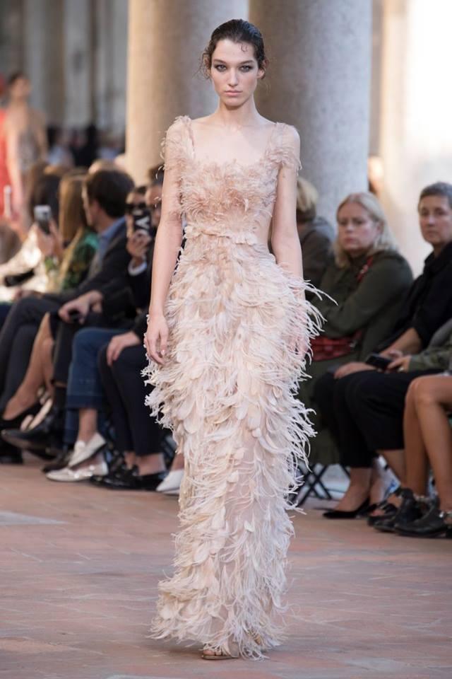 online retailer f76b4 136ec Alberta Ferretti: la collezione per l'estate 2018 - Tgcom24
