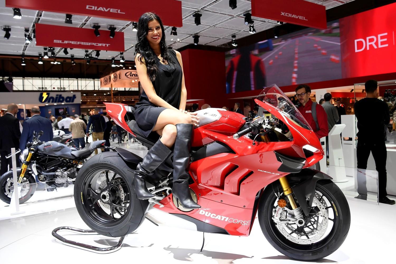Milano si tinge di rosso Ducati