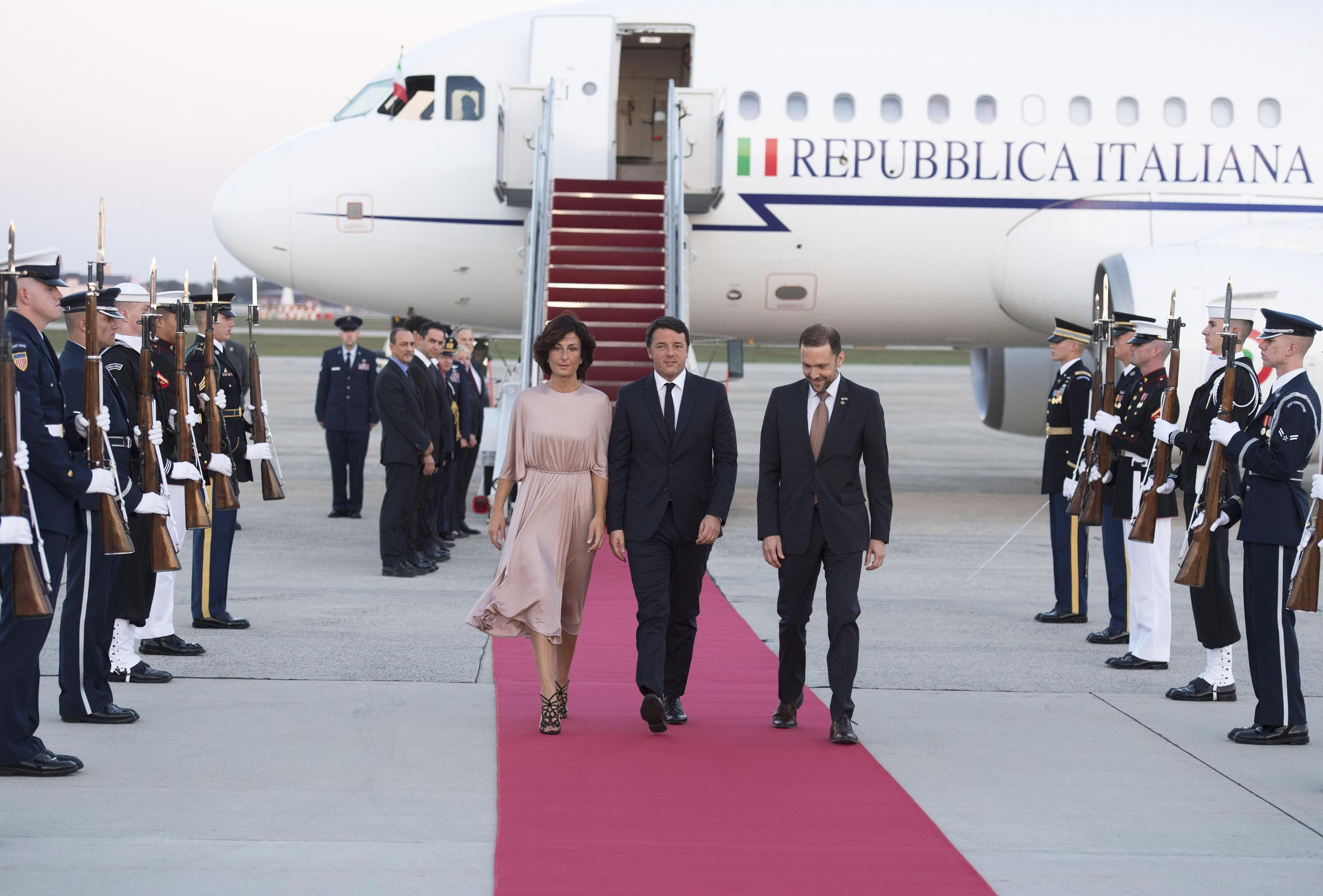 La delegazione italiana guidata da Renzi a Washington per la  State dinner  con Obama