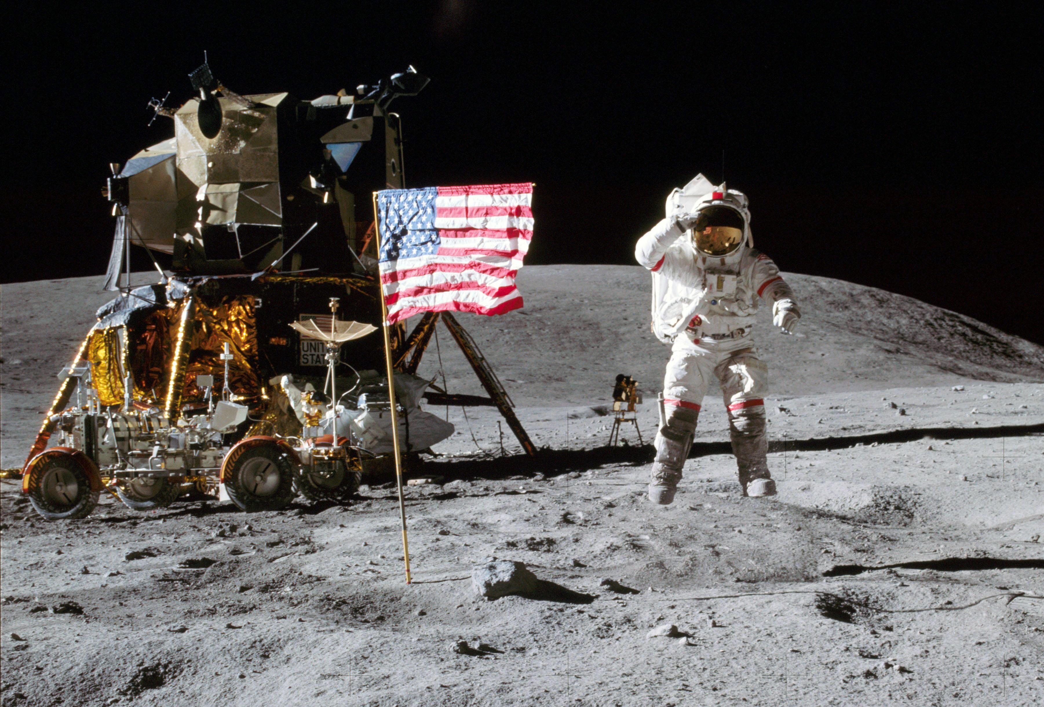 Oltre la terra : a Sesto San Giovanni una mostra racconta i segreti dello sbarco sulla Luna