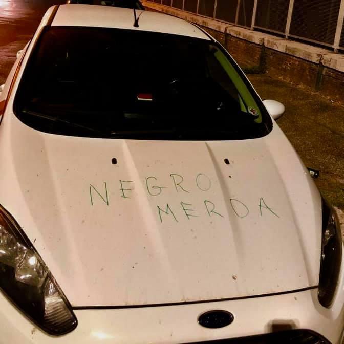 Roma, scritta razzista sull auto di un medico camerunense della Croce Rossa