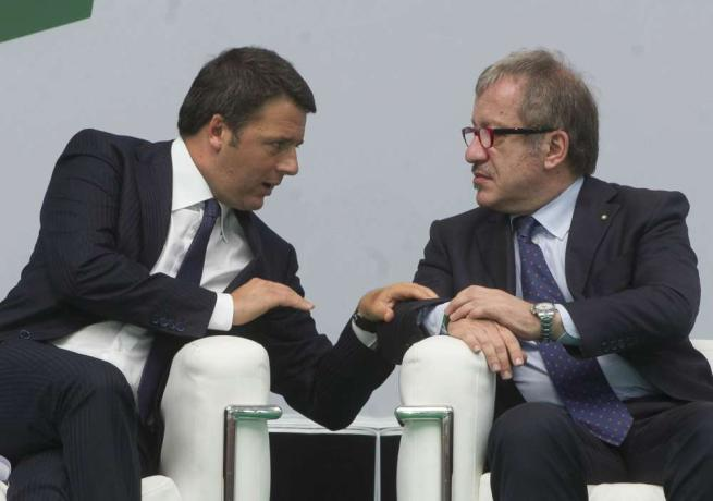 Maroni ai prefetti: stop all'invio di migranti Poi sfida Renzi: