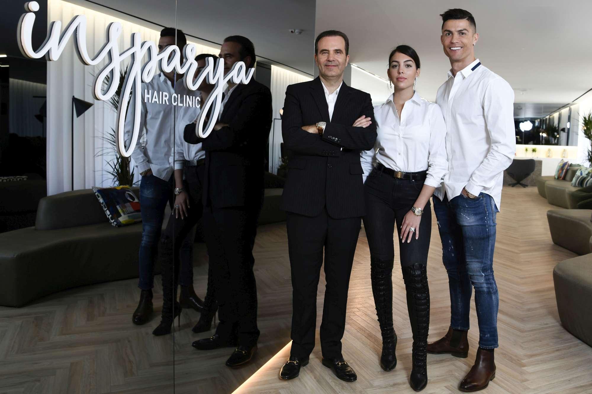 Nuovo business per Ronaldo, apre una clinica per il trapianto di capelli