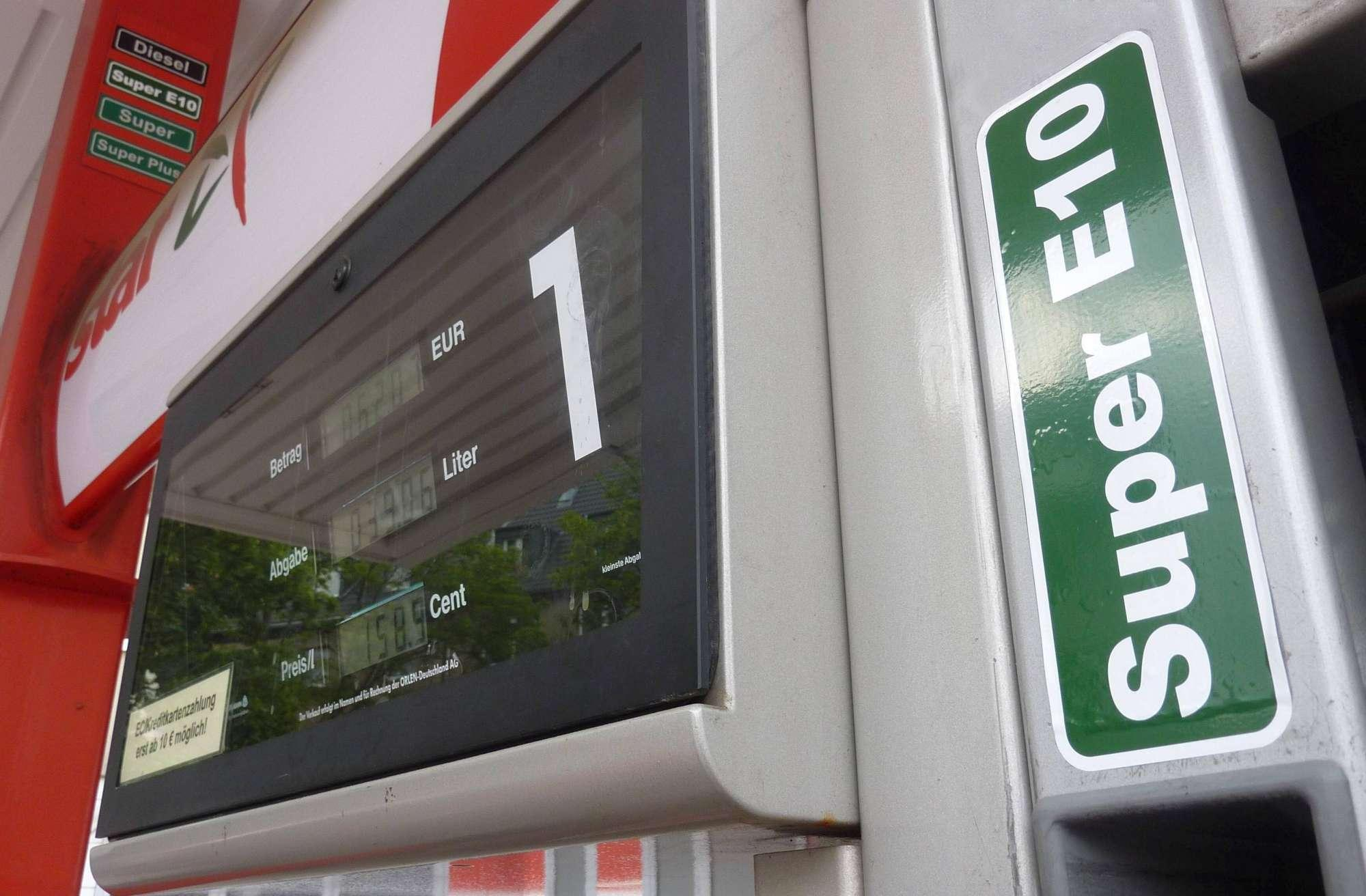Carburanti, ecco i nuovi nomi: E5 per la benzina e B10 per il gasolio