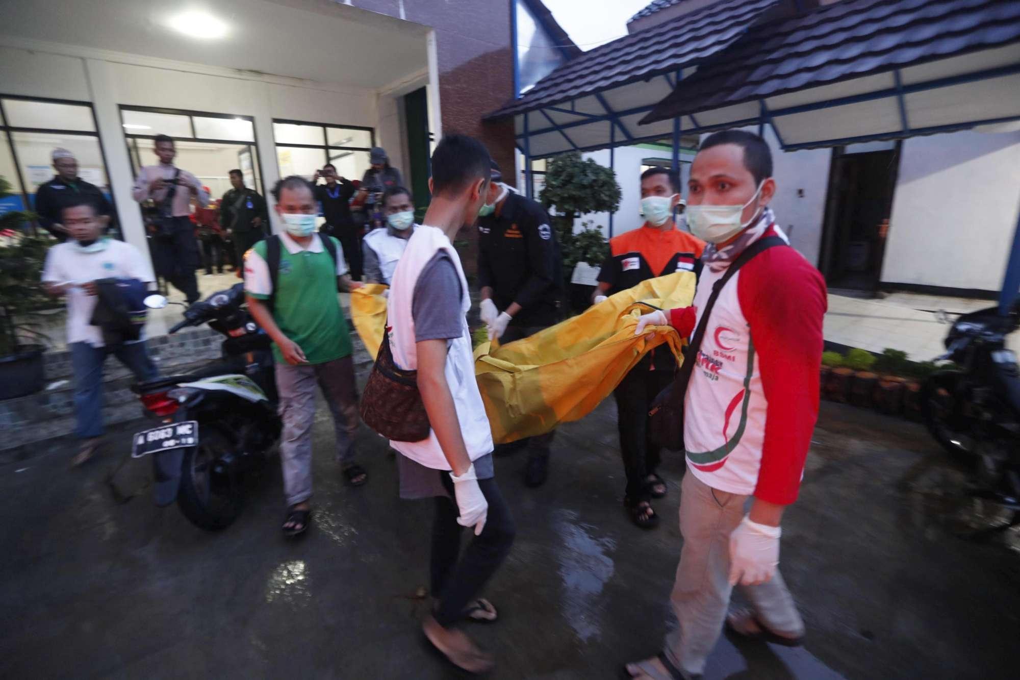 Tsunami in Indonesia, si aggrava bilancio delle vittime