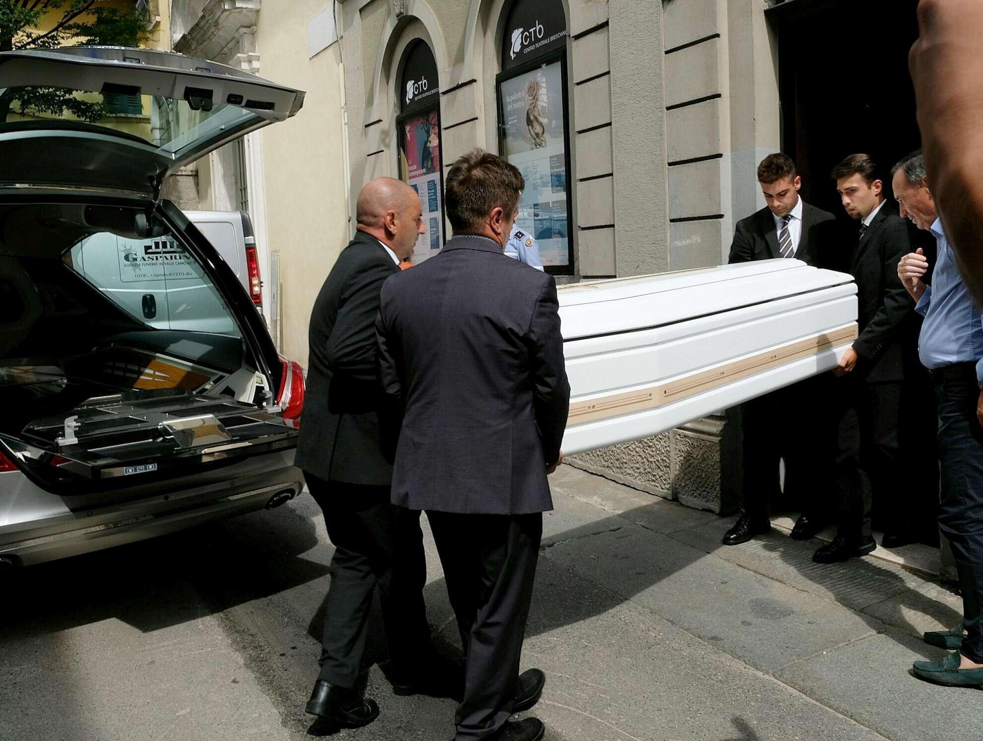 Addio a Nadia Toffa, l ultimo saluto nella sua Brescia