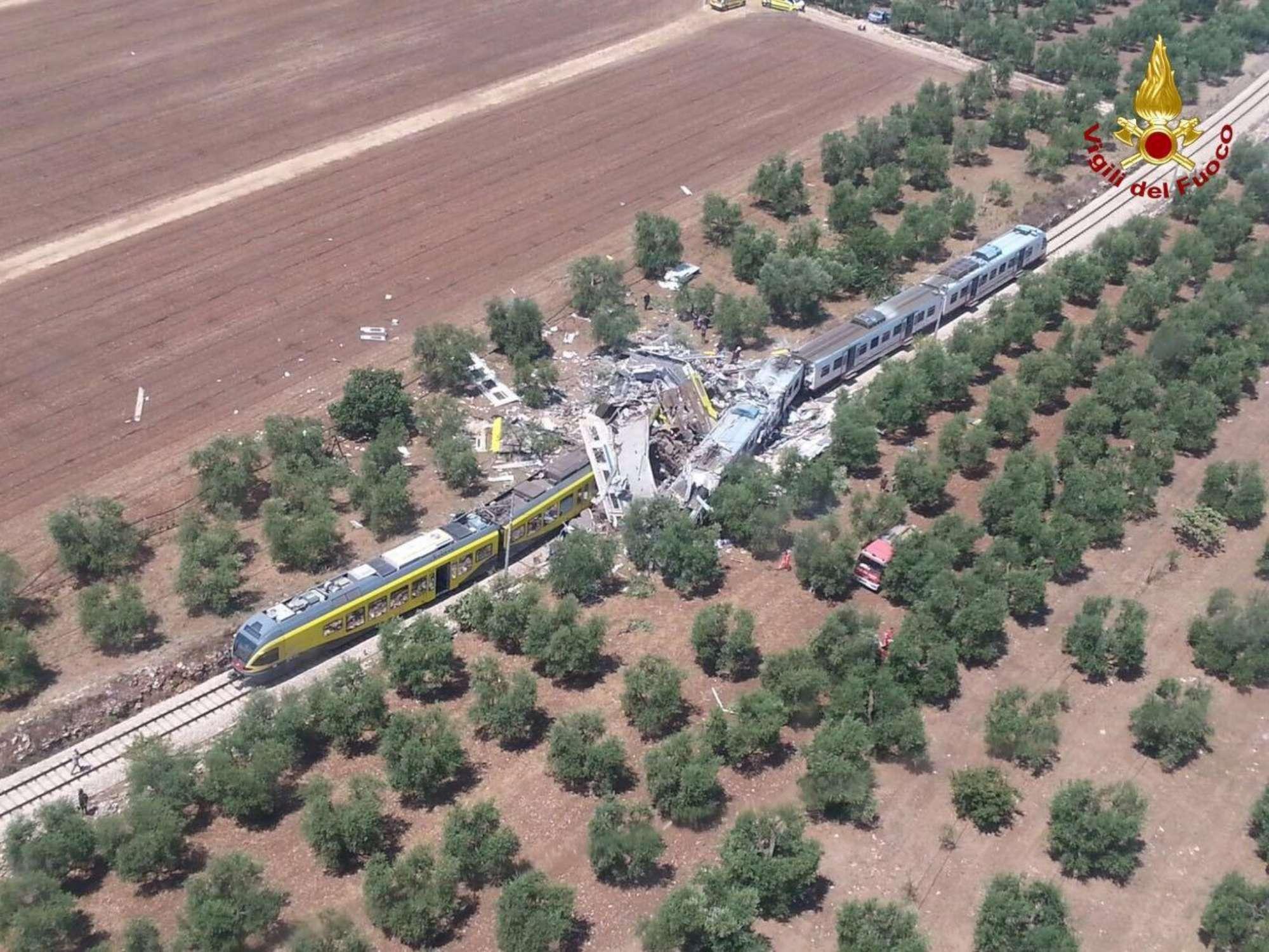 Andria-Corato, le immagini dell incidente ferroviario