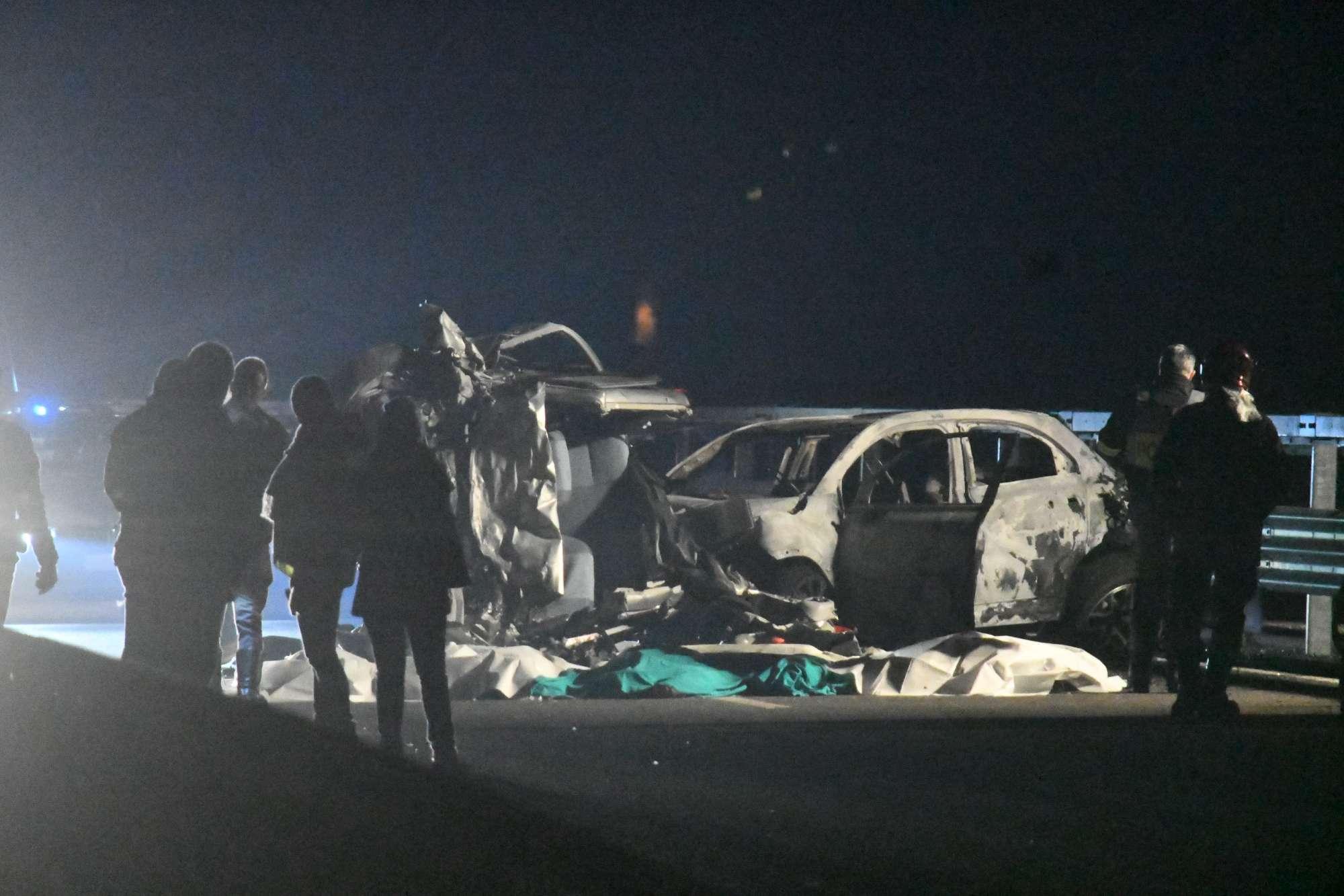 Sondrio, auto contromano: sei morti