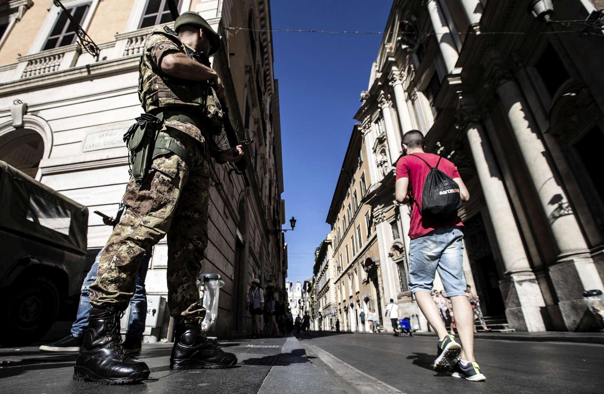 Roma, stretta antiterrorismo: maggiori controlli nel centro storico