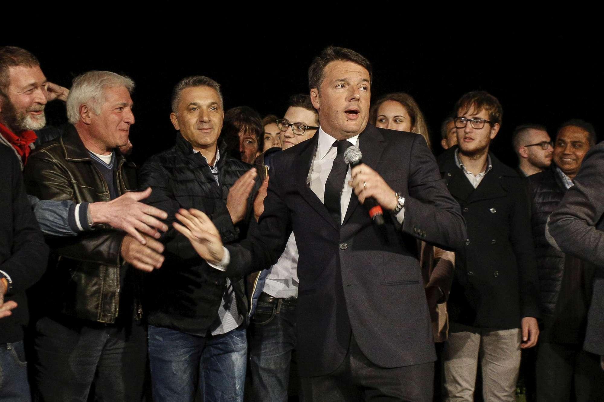 Primarie Pd, Renzi si riprende il Nazareno:  Giornata straordinaria