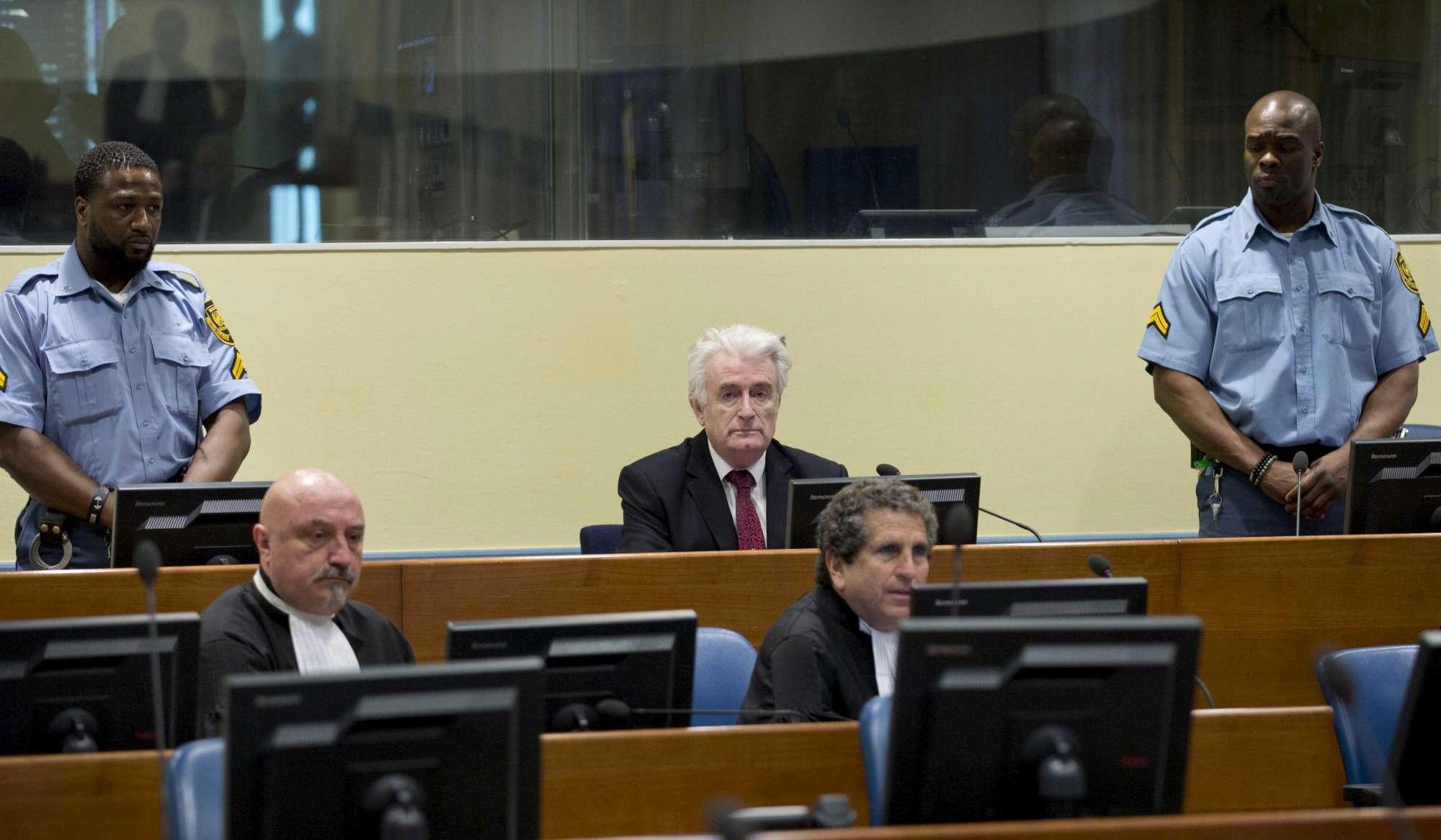 L Aja, ergastolo a Radovan Karadzic, il boia di Srebrenica