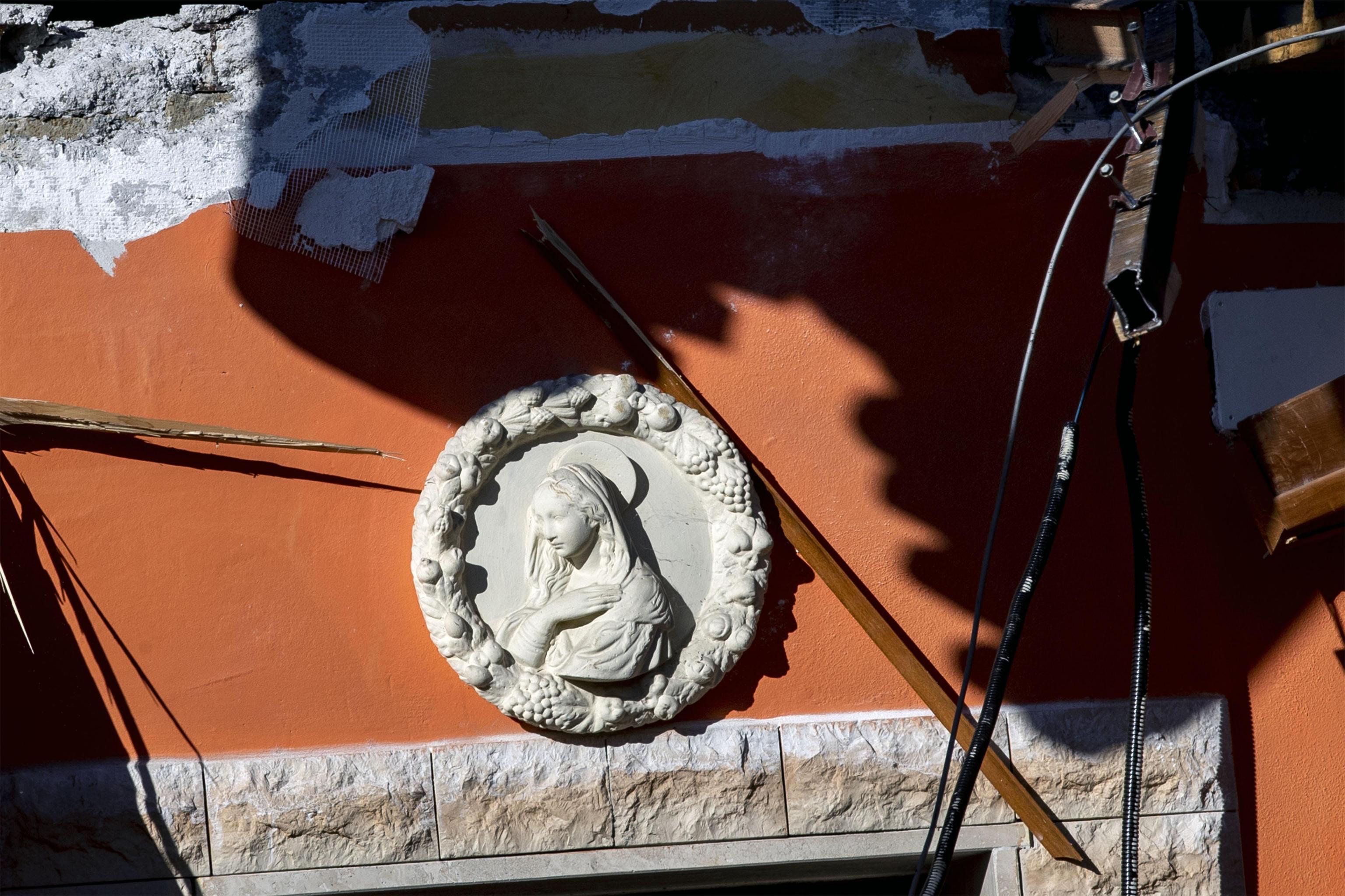 Roma, i Casamonica sgomberati aggrediscono i vigili e