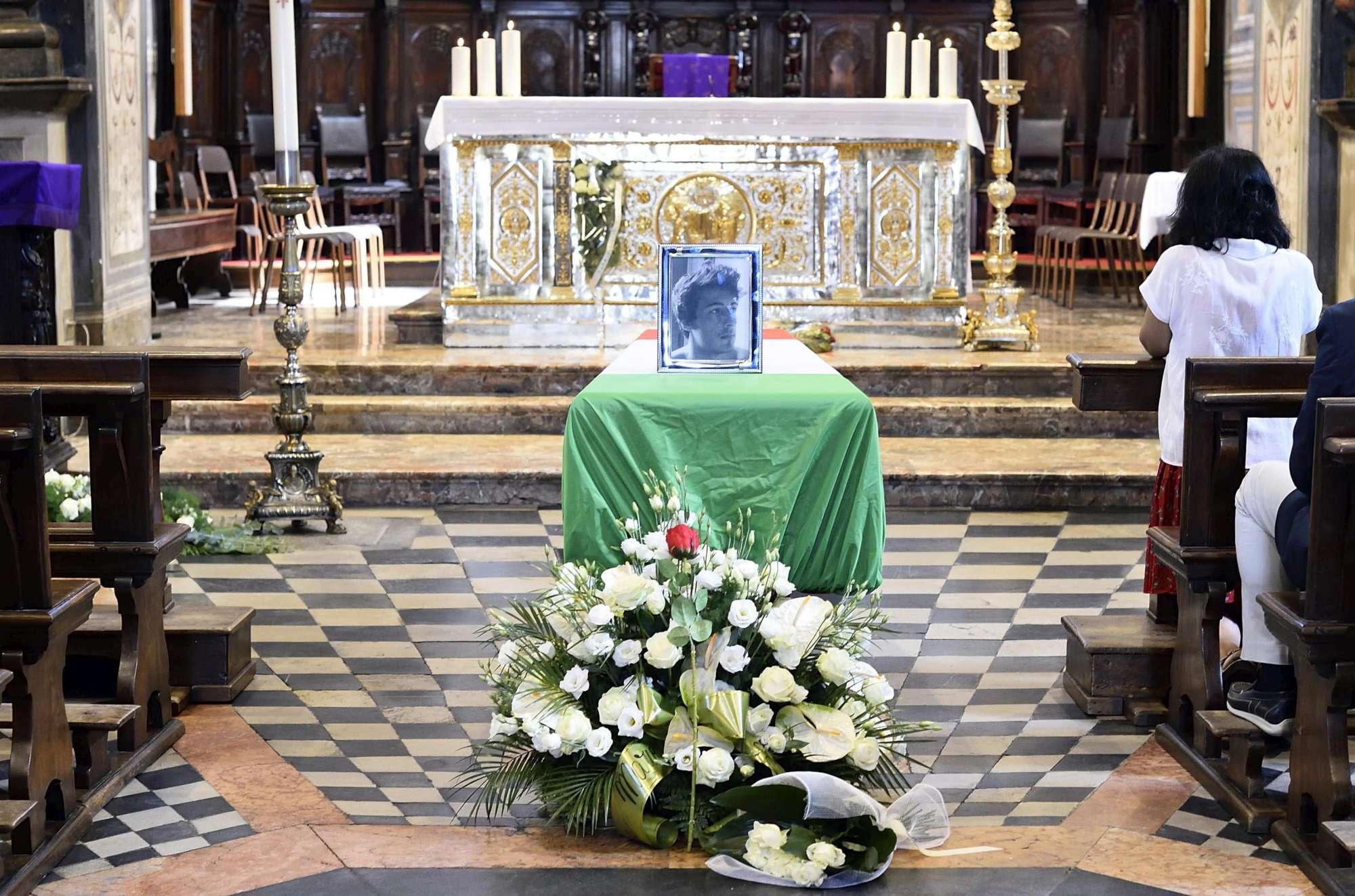 Addio A Bruno Gulotta A Legnano I Funerali Dellitaliano Ucciso A