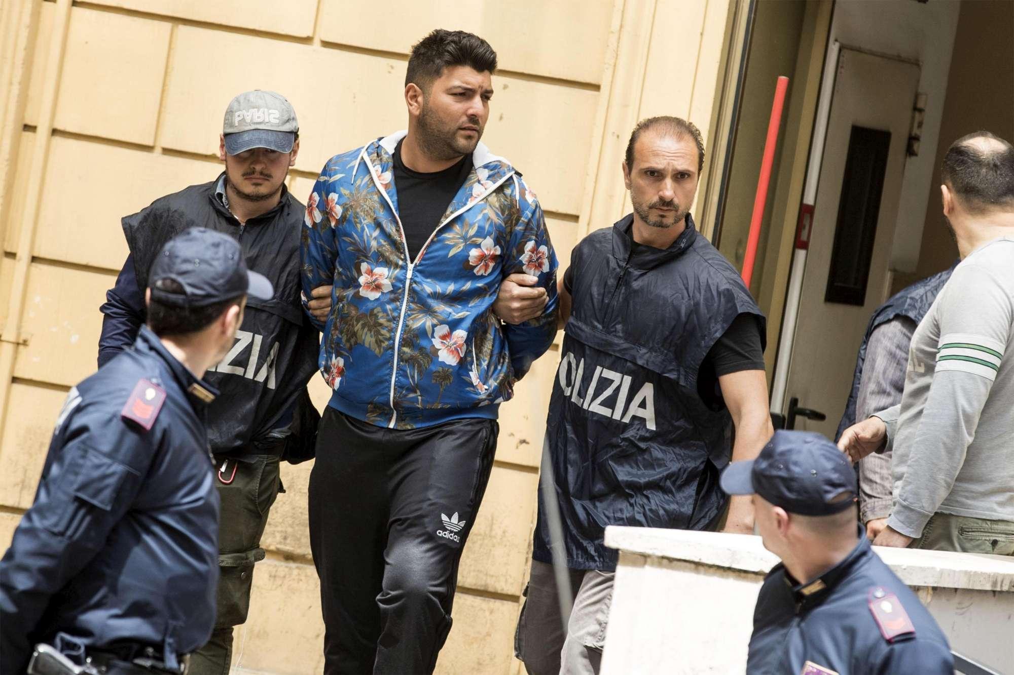 Roma, 4 arresti per il raid Casamonica in un bar in periferia