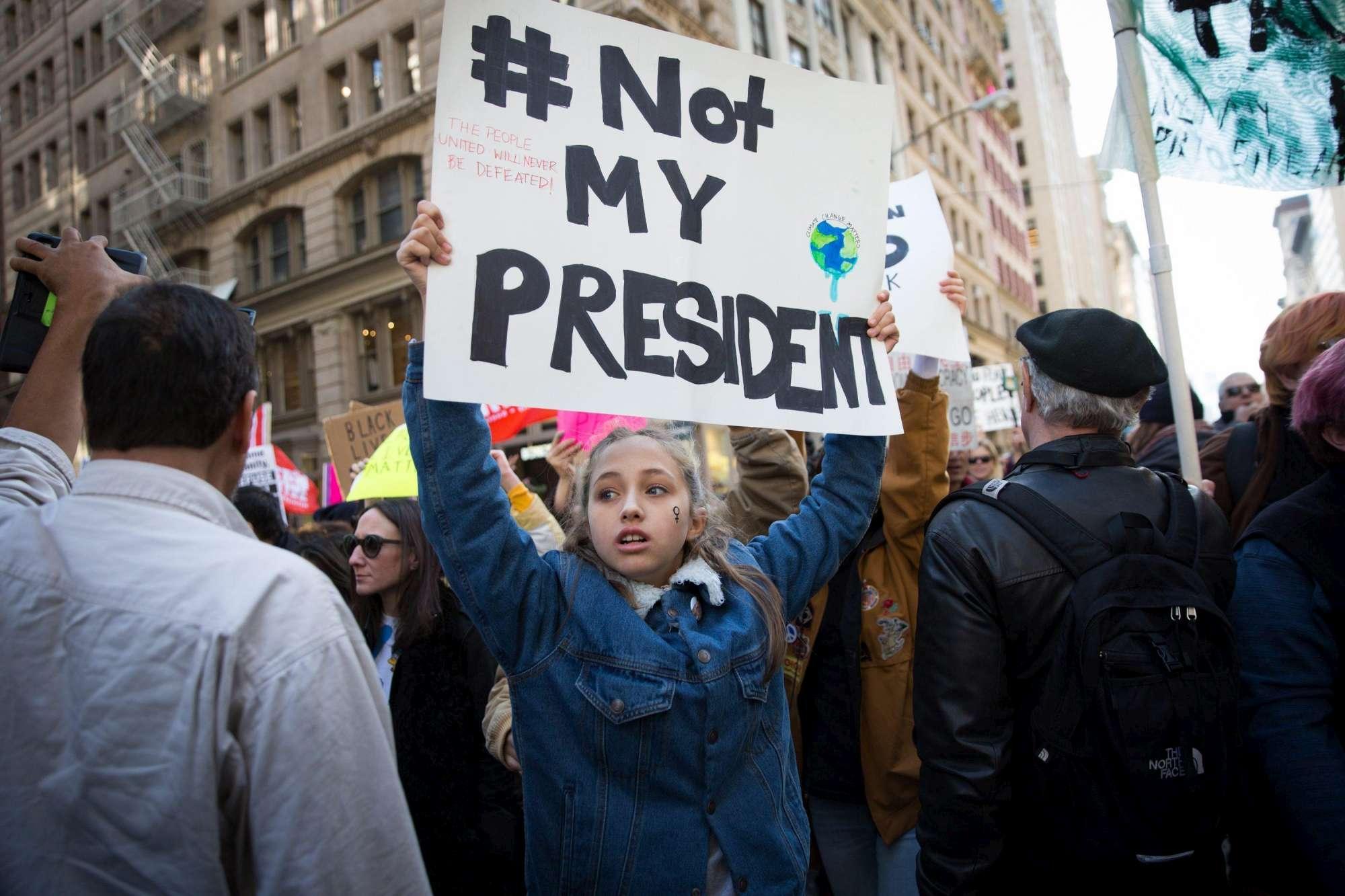 Continuano le proteste negli Usa: a New York marcia fino alla Trump Tower