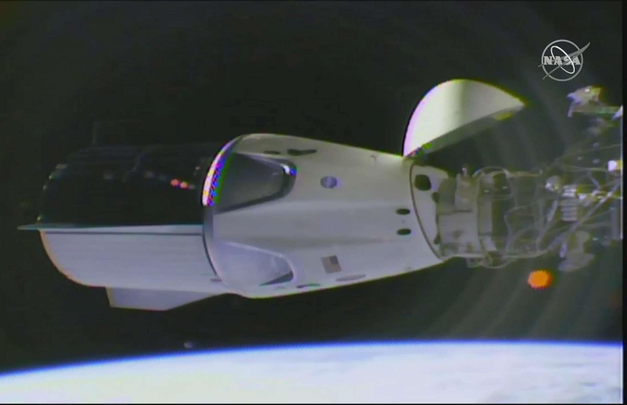 La Capsula Dragon di SpaceX si aggancia alla Stazione spaziale Iss