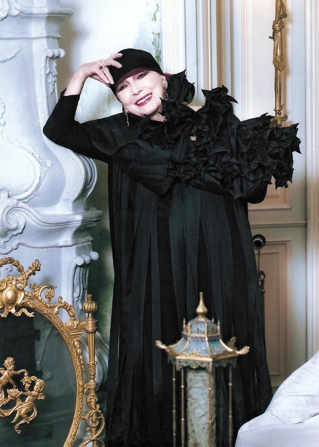 Valentina Cortese: abiti da sogno per comunicare un mondo interiore